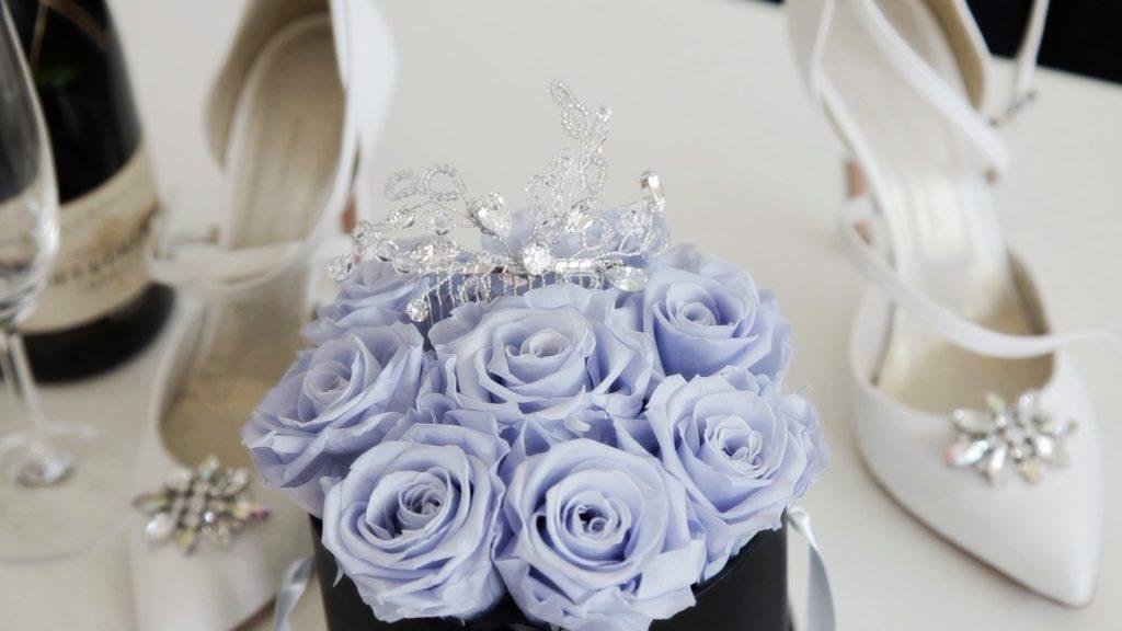 Brautstrauss mit Schmuck und Schuhe