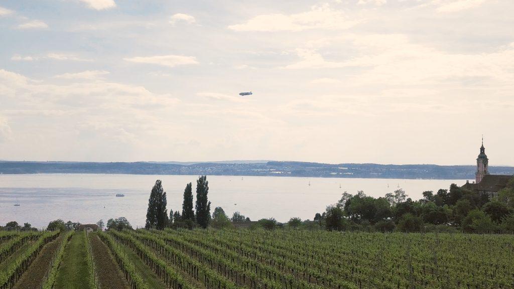 Weinberge über dem Bodensee mit Birnau im Hintergrund